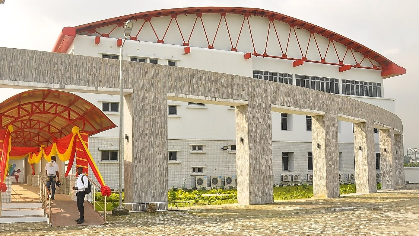 The e-library donated by Shell to the Port Harcourt Literary Society