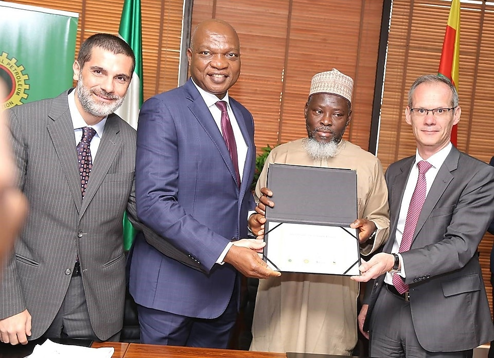 Shell, partners sign 300 million cubic feet gas FID